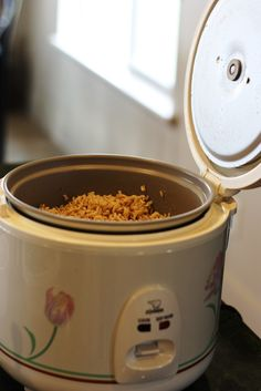 how to cook alternative grains in your rice cooker... quinoa, oats, buckwheat…