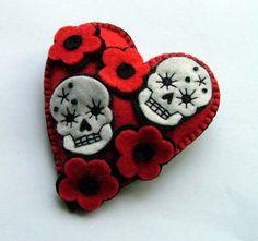 corazon en fieltro - Felt Sugar Skull Heart