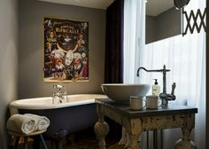 This bathroom captures big style in a small space! 25hours Hotel Wien, Vienne, 2013