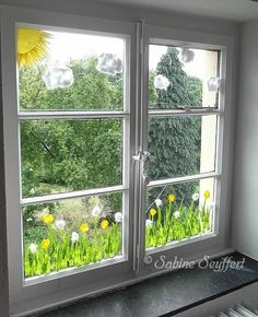 Fensterblumen - New Deko Sites Diy For Kids, Crafts For Kids, Window Art, Decoration Table, Creative Kids, Spring Crafts, Easter Crafts, Classroom Decor, Window Treatments