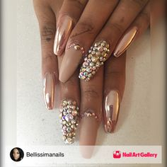 Rose Gold Chrome by Bellissimanails via Nail Art Gallery Glam Nails, Hot Nails, Fancy Nails, Bling Nails, Pretty Nails, Hair And Nails, Matte Nails, Gold Chrome Nails, Metallic Nails