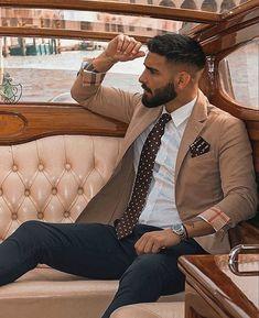 Handsome Men Quotes, Handsome Arab Men, Scruffy Men, High Street Fashion, Fashion Mode, Men Street, Beautiful Women Quotes, Beautiful Men, Stylish Men