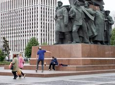 """Moscow: Solidarity with the working class, but on wheels This is just a snapshot I took somewhere in Moscow several years ago. I like the various conflicting issues in this picture: History vs. modern life, oppression vs. freedom, straight lines of the building in the back vs. dynamic lines in the sculpture. Have you been … Continue reading """"Throwback Thursday : Skaters and socialism in #Moscow, #Russia"""""""