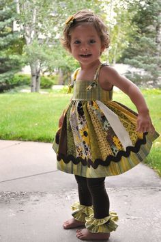 Little Kid Knotty Jumper with Leggings - How to make a girls dress with jelly roll quilt patterns + DIY leggings!