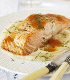 Citrus-Glazed Salmon--This sweet and savory salmon dish tempts every part of the palate with a mélange of perky winter flavors. Fish Dishes, Seafood Dishes, Fish And Seafood, Seafood Recipes, Fish Recipes, Main Dishes, Seafood Meals, Cooking Tips, Cooking Recipes