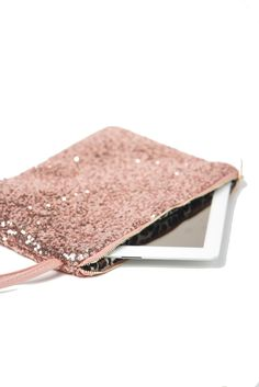 Sparkly Ipad Pouch - Yes, please! Please include the iPad :) Bling Bling, Or Rose, Rose Gold, Ipad Case, Tech Accessories, Girly Things, Pretty In Pink, Purses And Bags, Pouch