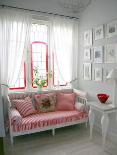Home: Decorating Ideas, Home Improvement, Cleaning & Organization Tips - New Deko Sites Red Cottage, Cottage Style, Cottage Porch, Coastal Cottage, Coastal Style, Old Cribs, Romantic Room, Romantic Cottage, Home And Deco
