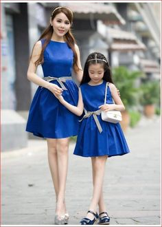 Cheap 2016 hot summer style moda madre e hija familia ropa de algodón navy vintage azul Mother Daughter Fashion, Mother Daughter Matching Outfits, Mommy And Me Outfits, Mom Daughter, Matching Family Outfits, Kids Outfits, Mom Dress, Baby Dress, Kind Mode
