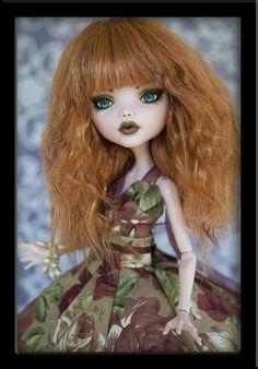 Mischa - Custom Monster High Repaint by IvyHeartDesigns.deviantart.com