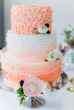 Featured Wedding Cake: Sugarlips Cakes | Featured Photographer: Anoushka Rokebrand