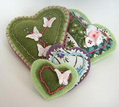Felt Heart Pins tutorial || Heather from the Sewing Loft for Sew,Mama,Sew!
