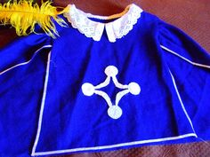 Amandille: Couture : Faire un costume de mousquetaire Homemade Costumes, Couture Sewing, Sewing Crafts, Sewing Ideas, Polo Ralph Lauren, Dress Up, Ruffle Blouse, Graphic Sweatshirt, Halloween