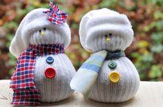 Leer hier hoe je je eigen kleine sneeuwmannetjes maakt.. Supergaaf voor in de winter!