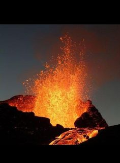 lava definition: The definition of lava is hot, molten rock. (noun) Hot molten rock that spews from a volcano is an example of lava. Natural Phenomena, Natural Disasters, Volcan Eruption, Fuerza Natural, Erupting Volcano, Science And Nature, Natural Wonders, Amazing Nature, Belle Photo
