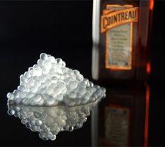 Molecular gastronomy...Cointreau Caviar...Definitivamente lo voy a preparar...Miguel Salinas.