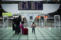 Aeroporto do Porto renova título de 3º melhor da Europa - via Fugas Publico 02.03.2016 | eroporto Francisco Sá Carneiro volta a estar entre os melhores nos prémios ACI – Airports Council International. No currículo: nove galardões em dez anos. #portugal #turismo