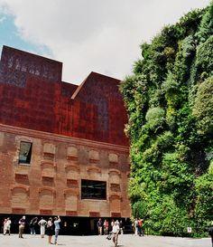 Jardin vertical de la Caixa Forum (vertical garden), Madrid, Spain #livingwall inspiration