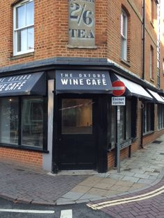 Canopies large and small for The Oxford Wine Cafe by Deans Blinds And Awnings
