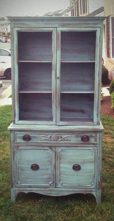 My Nest — Robin's Sweet Confessions Distressed Furniture, Hand Painted Furniture, Upcycled Furniture, Furniture Making, Vintage Furniture, Diy Furniture, Painting Furniture, Hutch Makeover, Furniture Makeover