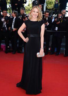 La actriz francesa, #LudivineSagnier, con un sencillo vestido negro perfecto siempre para la #alfombraroja , aunque no sea muy original..