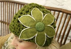 Crochet Cloche with Felt Flower-mojospastyle