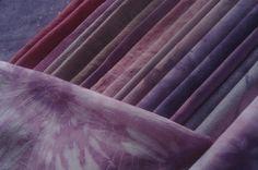 Cochenille auf unterschiedliche Fasern