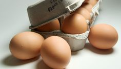 How to Tell if Your 'Expired' Eggs Are Still Good to Eat « Food Hacks :: WonderHowTo Food Safety And Sanitation, Expiration Dates On Food, Bread Mold, Honey Toast, Gourmet Cheese, Frozen Vegetables, Food Science, Food Chemistry, Jars