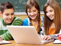 Kennisnet brochure Mediawijsheid voor schoolbesturen. Lees vooral dat ze dit niet alleen kunnen :)  #(sociale) media & anders leren
