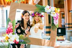 Tropical bridal shower More Tropical Bridal Showers, Tropical Party, Luau Birthday, Birthday Parties, Havanna Party, Luau Bridal Shower, Hawaii, Photos, Luau Party Ideas For Adults
