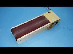 Make A Drill Powered Belt Sander Easy Woodworking Ideas, Woodworking Projects, Wood Tools, Diy Tools, Wood Sanders, Jigsaw Table, Router Jig, Drilling Machine, Wooden Horse