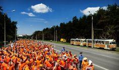 tifosi olandesi in corteo euro 2012 orange
