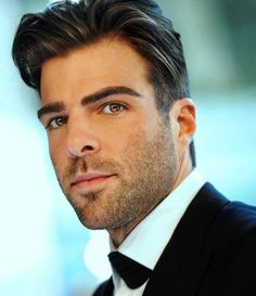Zachary Quinto - how beautiful does he look in this picture!
