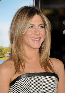Jennifer Aniston medium hairstyle at the Premier of Wanderlust