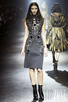 Lanvin - Ready-to-Wear - Fall-winter 2012-2013 - http://en.flip-zone.com/fashion/ready-to-wear/fashion-houses-42/lanvin-2743