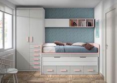 Habitación infantil con 2 camas armario cajones y 2 mesas ocultas. Room Design Bedroom, Small Bedroom Designs, Home Bedroom, Kids Bedroom, Bedroom Decor, Small Bedroom Storage, Small Master Bedroom, Wardrobe Bed, Shared Rooms