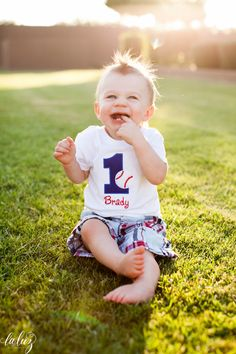Adorable! Brady is One – Baseball themed birthday party | Seattle Photographer La Luz Photography