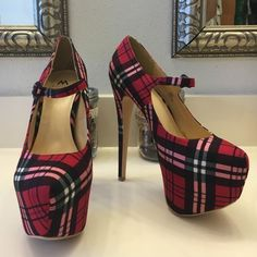 Plaid Maryjane Platform Stand out from the crowd.   Plaid Mary Jane's by Madison (shoedazzle) Sol.  Sky high 2 1/2 inch platform and 6 1/2 inch heel.   EUC - never worn out. Shoe Dazzle Shoes Heels