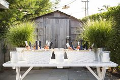 See more images from a perfect summer clambake on domino.com