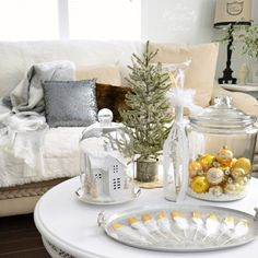 Christmas - Winter Living Room Decorating with Gold and White