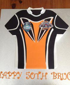 NRL Western Sydney Tigers Cake Decorating Classes, Amazing Cakes, Tigers, Cake Ideas, Wetsuit, Sydney, Nfl, Birthday Cake, Pound Cake