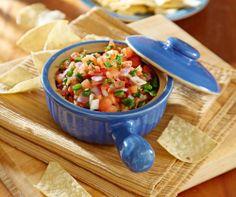 Tortillas chips con salsas mexicanas. Nada mejor para abrir el apetito en #Cancun. http://www.bestday.com.mx/Cancun/Restaurantes/