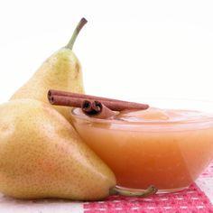 Aprende a preparar compota de pera con esta rica y fácil receta. La pera es una fruta con un alto contenido en fibra, hecho que beneficia la regulación del tránsito...