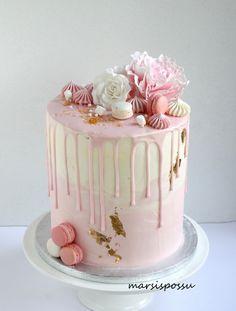 Marsispossu: Kakkuja rippijuhliin Beautiful Cakes, Amazing Cakes, Confirmation Cakes, Special Birthday Cakes, Cool Cake Designs, Colorful Cakes, Candy Party, Drip Cakes, Buttercream Cake