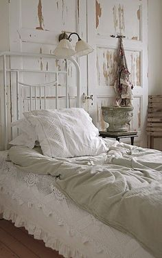 OK that settles it. I NEED some white crochet bed stuff.