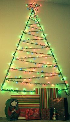 Christmas light tree for your wall- video tutorial:   A Doll's life