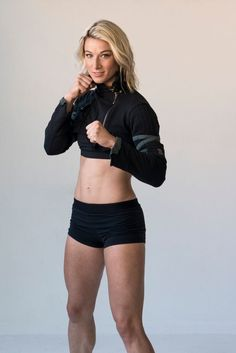 American Ninja Warriors: Interview with Jesse Graf. American Ninja Warriors: Interview with Jesse Graff, The First Woman to Complete… Best Ab Workout, Abs Workout Routines, Gym Workouts, American Ninja Warrior Women, Jesse Graff, Divas, Stunt Woman, Female Martial Artists, Alpha Female