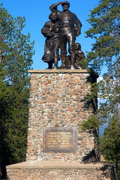 Donner Party Memorial, a tragic story of death and human endurance. This memorial is next to Donner Lake in Northern California. California Dreamin', Northern California, State Parks, Donner Party, Donner Lake, Oregon Trail, Lake George, Best Vacations, Places To Go