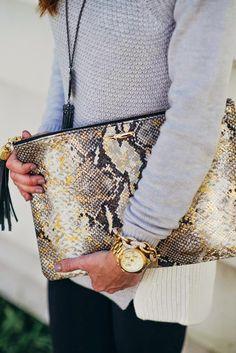 Gorgeous snakeskin clutch from Gigi New York Cheap Purses, Cheap Handbags, Cute Purses, Black Handbags, Purses And Handbags, Luxury Handbags, Clutch Handbags, Fossil Handbags, Popular Handbags