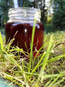 Sumin sörsselit: Horsmankukkahyytelö Jam And Jelly, Sweet Recipes, Jar, Desserts, Food, Steaks, Vegetable Garden, Tailgate Desserts, Beef Steaks