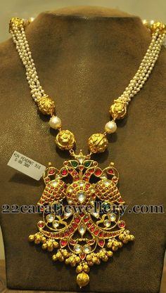 Jewellery Designs: 89 Gms Pearls Set with Peacock Locket